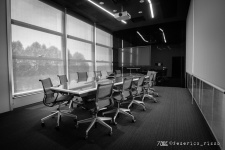 73de__spectre-meeting-room-1